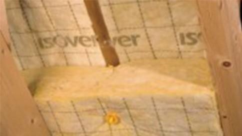 Pose laine de roche sous plafond