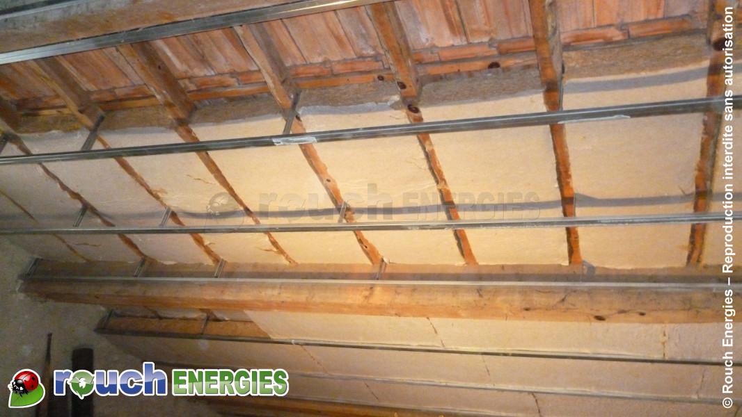 Isoler un plafond en bois